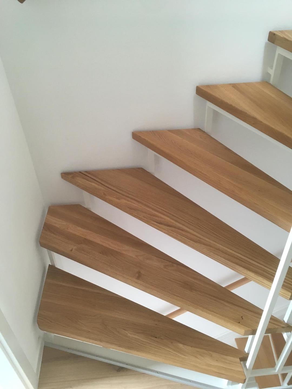 Eine Treppe im Innenbau. Schreinerei Schulze
